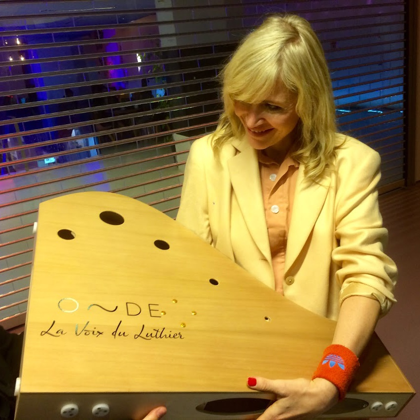 Home La Voix Du Luthier
